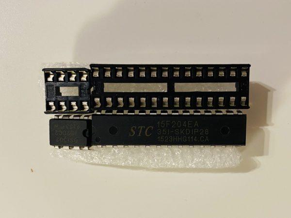 STC 15F204EA 351-SKDIP28 og DS1302 clock IMG 3262 scaled